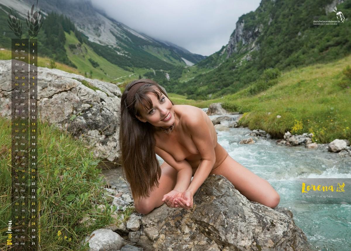 Календарь с обнаженными красотками в Альпах