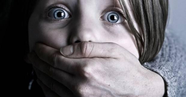 На глазах бабушки и няни: В Киеве похитили 4-летнюю внучку известного политика