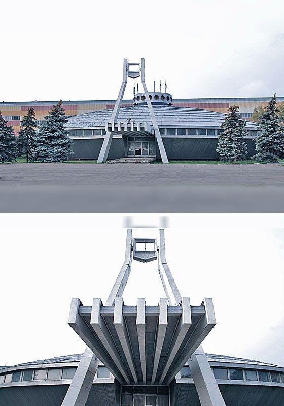 По-своему органична символика промышленной архитектуры. Гиганты энергетики – современные символы