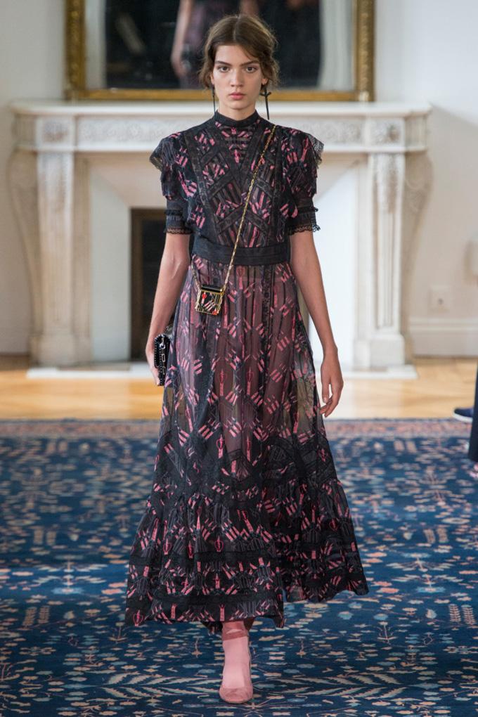 Неделя моды в Париже: Valentino весна 2017