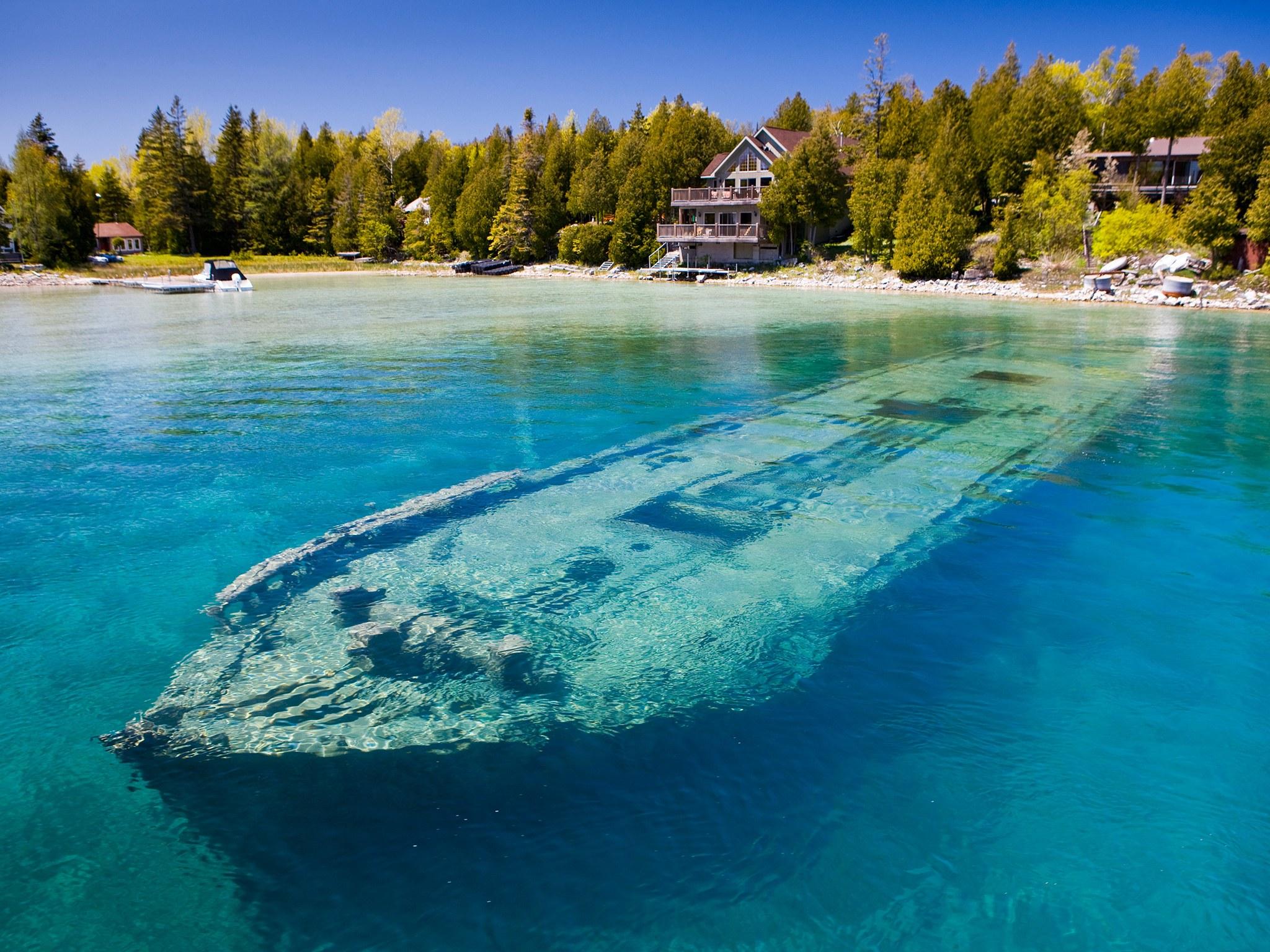 4. Затонувшая шхуна Sweepstakes, озеро Гурон, Канада. Вблизи берега, на дне канадского озера Гурон,