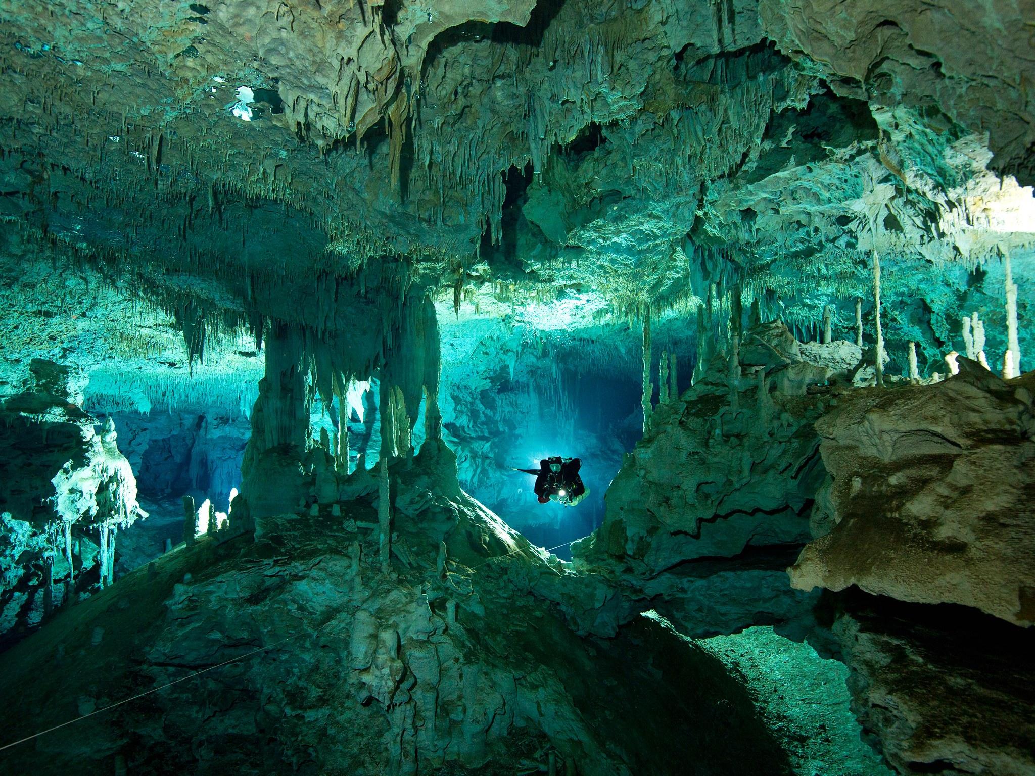 5. Сенот Дос Охос, Тулум, Мексика. Завораживающий своей красотой естественный провал, образованный п