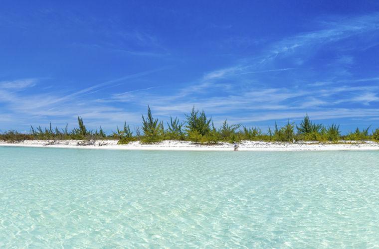Кайо-Ларго — небольшой остров, примерно 30 км в длину. Здесь нет постоянных жителей, не считая к