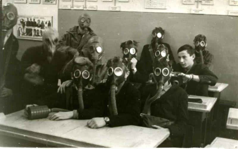 Несколько занятий курса были посвящены особенностям отравляющих газов и устройству противогаза.