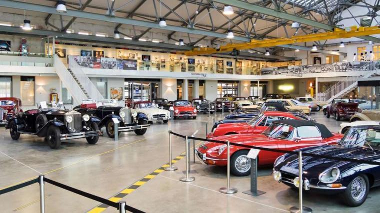 V8 Hotel — часть выставочного центра Motor World, организованного на бывшем аэродроме Штутгарта. Оте