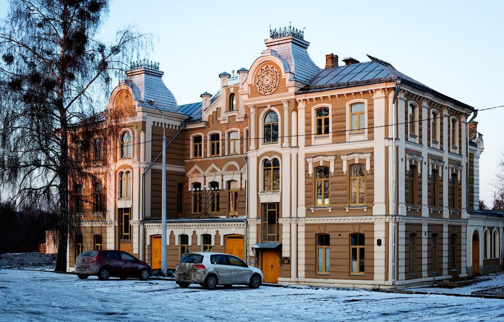 26. Дом офицеров в стиле польского конструктивизма.