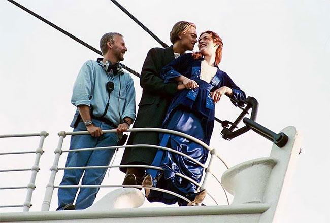Джеймс Кэмерон, Леонардо Ди Каприо и Кейт Уинслет на съемках «Титаника».