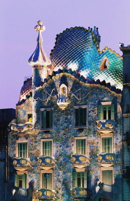 Фантастическая архитектура Антонио Гауди (Antoni Gaudi)