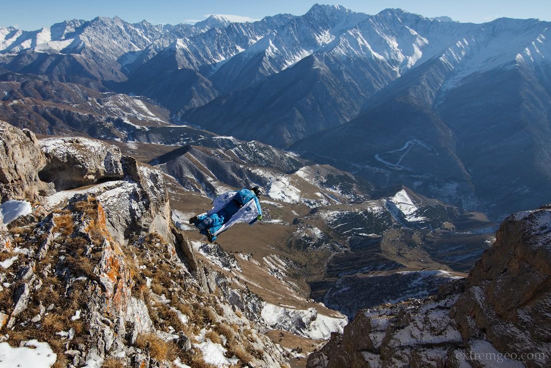 9. Высота экзита 2292 метра, время полета около 45 секунд.