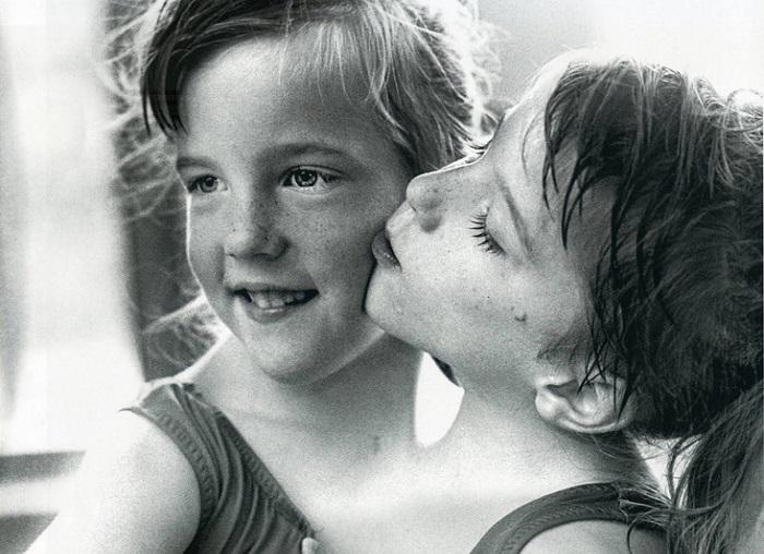 Одно тело на двоих: как живут сиамские близнецы Эбигейл и Бриттани Хенсел (9 фото)