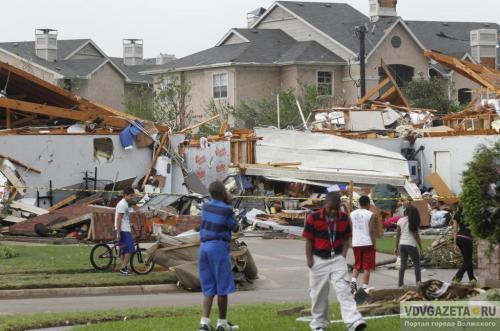 Торнадо забрал ванну с старый жительницей Техаса влес