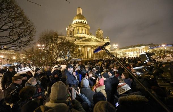 Народные избранники Петербурга требуют признать незаконной передачу храма РПЦ
