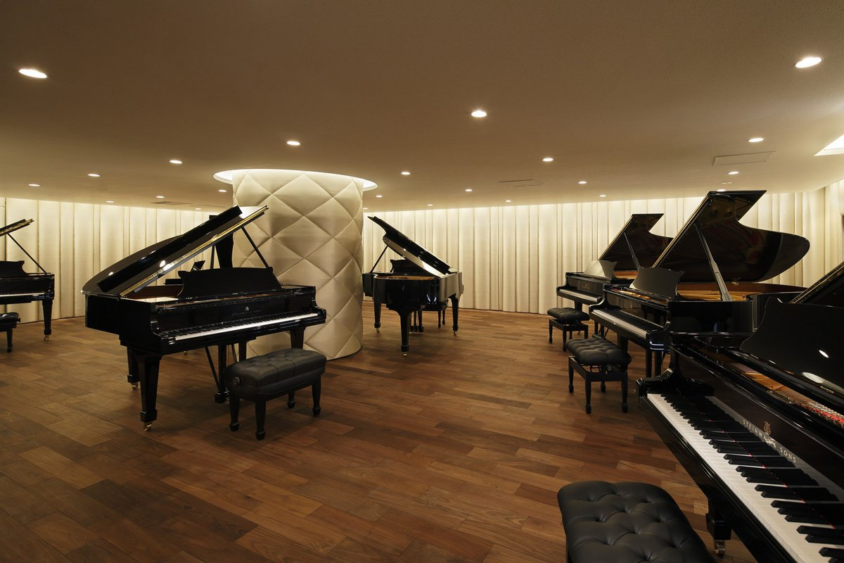 steinway sons The steinway family for over 160 years, steinway & sons has been dedicated to making the finest pianos in the world, setting the uncompromising standard for sound, touch, beauty, and investment value.
