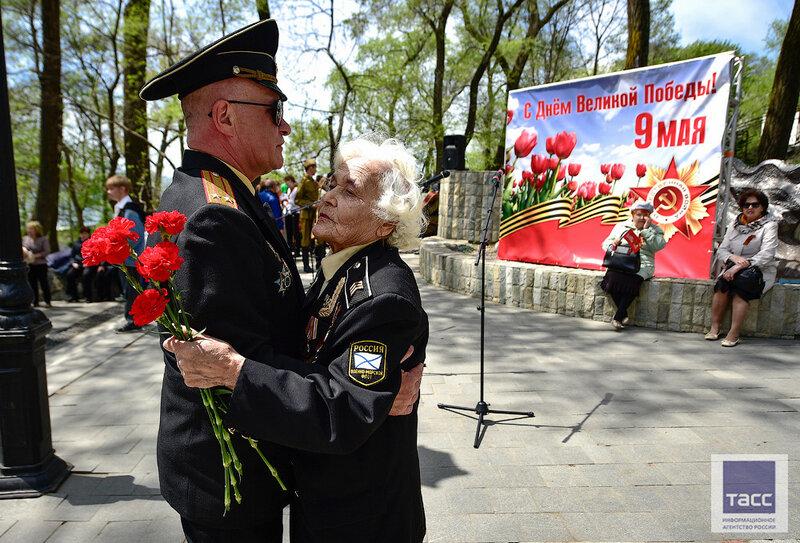 Во Владивостоке отметили 72-ю годовщину Победы в Великой Отечественной войне