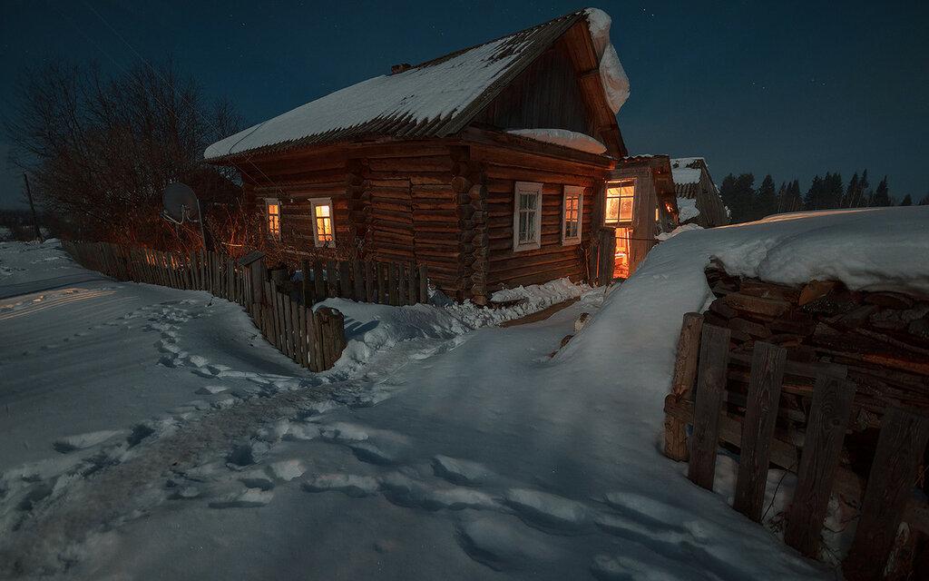 1789241_sneg-v-derevne-noch.jpg
