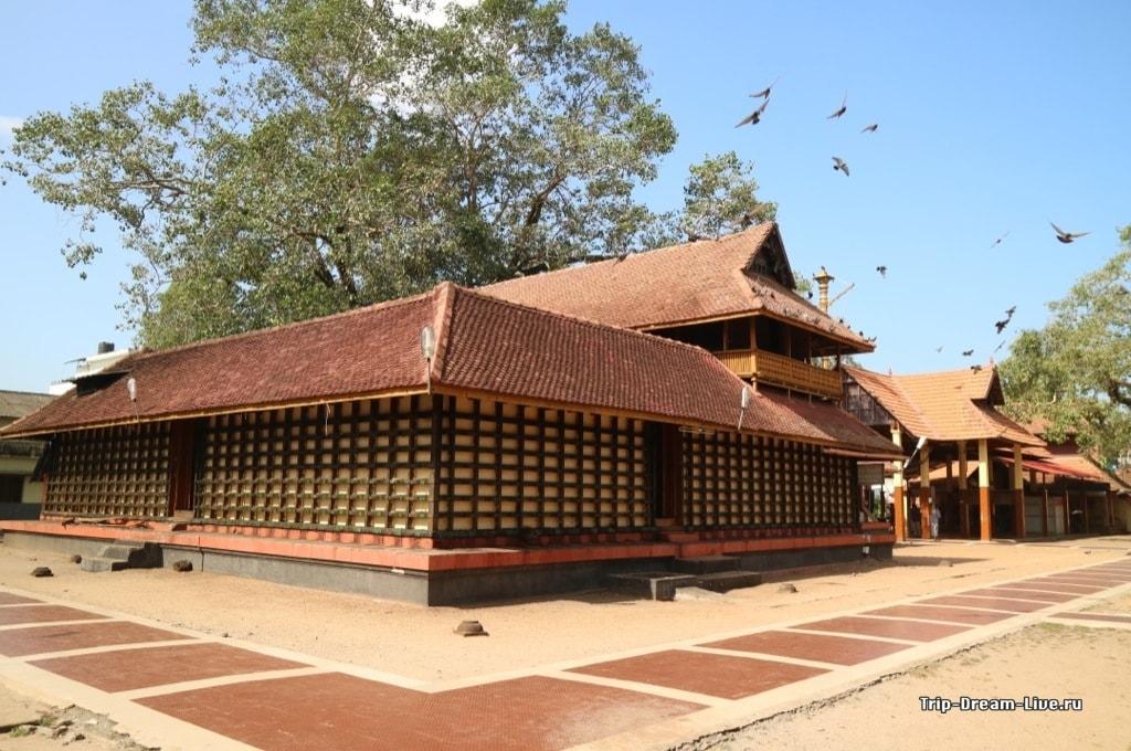 Храма Муллакал (Mullakkal Rajarajeswari Temple)