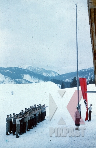 stock-photo-ww2-color-ski-sports-club-snow-innsbruck-austria-red-political-flag-hand-salute-8189.jpg