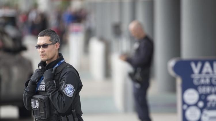 Мужское тело  найдено  наВПП ваэропорту Детройта