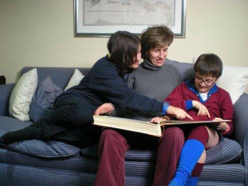 Мария Эсмеральда с дочерью Александрой и сыном Леопольдо