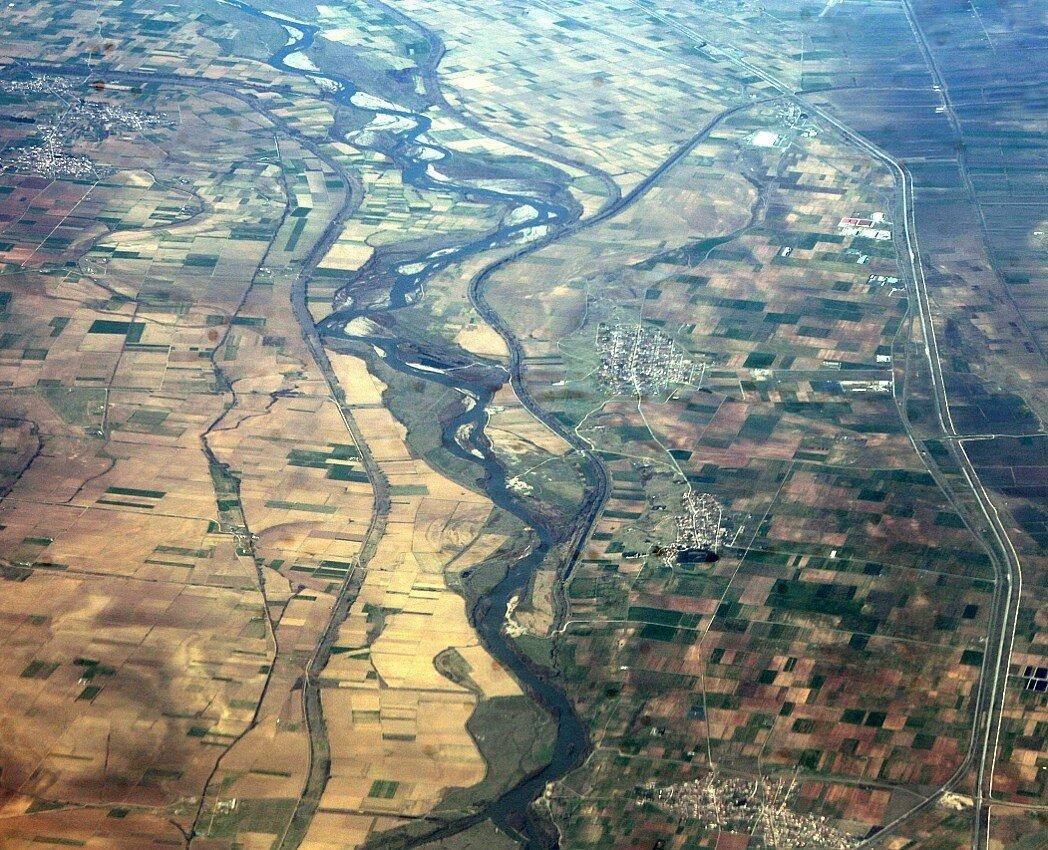 Греция. Долина реки Вардар. Вид с самолёта
