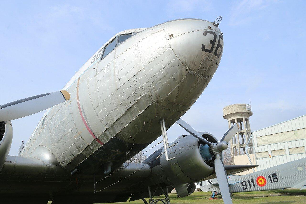 Douglas DC-3 'Skytrain'
