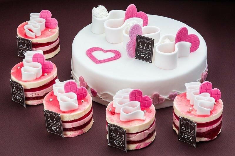 Праздничный торт «Валентинки»