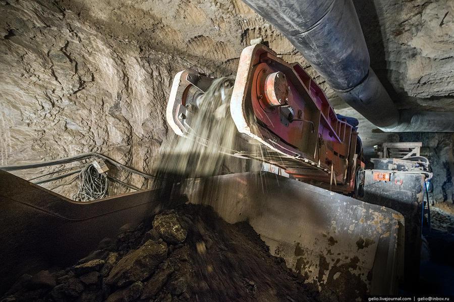 31. В среднем в одной тонне породы содержится 8,53 карат алмазов. Так по содержанию алмазов на тонну