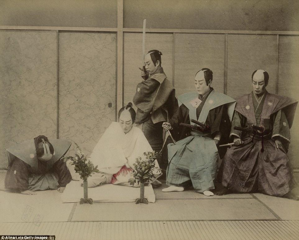Честь дороже жизни: как самураи в Японии делали харакири (9 фото) 18+