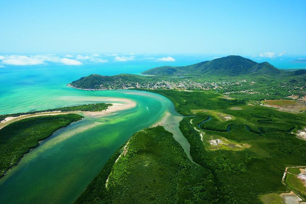 15. Площадь полуострова 137 тыс. км2, протяженность с севера на юг — 600 км.