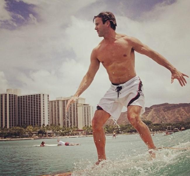 © Aaron Schock  Этот спортивный привлекательный мужчина родом изСША. В2009 году онстал самы