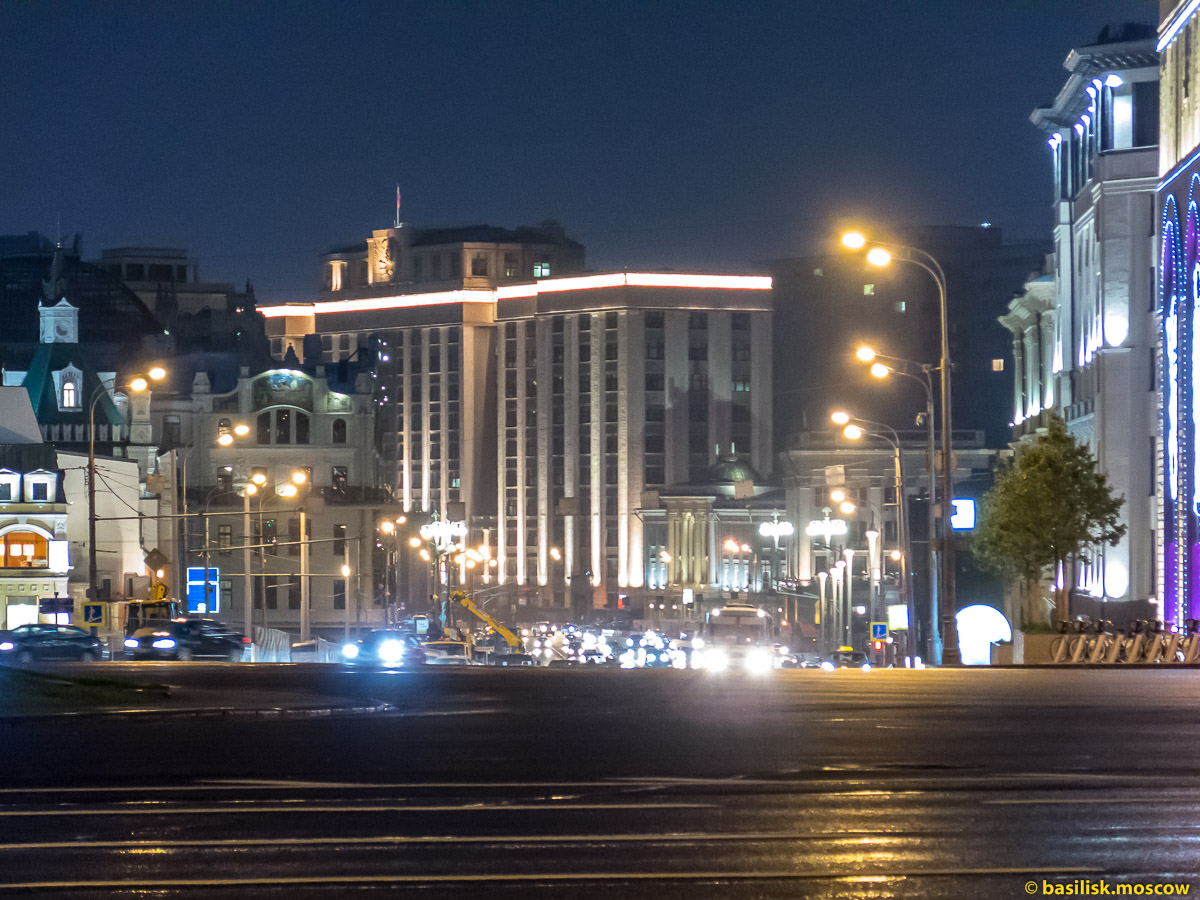 Центральный детский магазин ночью. Лубянка ночью. Июль 2016