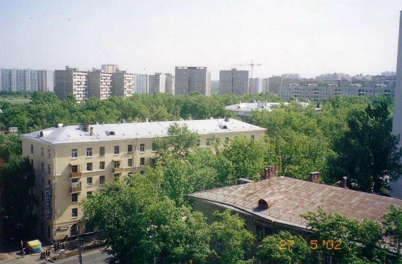 2002.05.27 Ул. Б. Очаковская, книжный.JPG