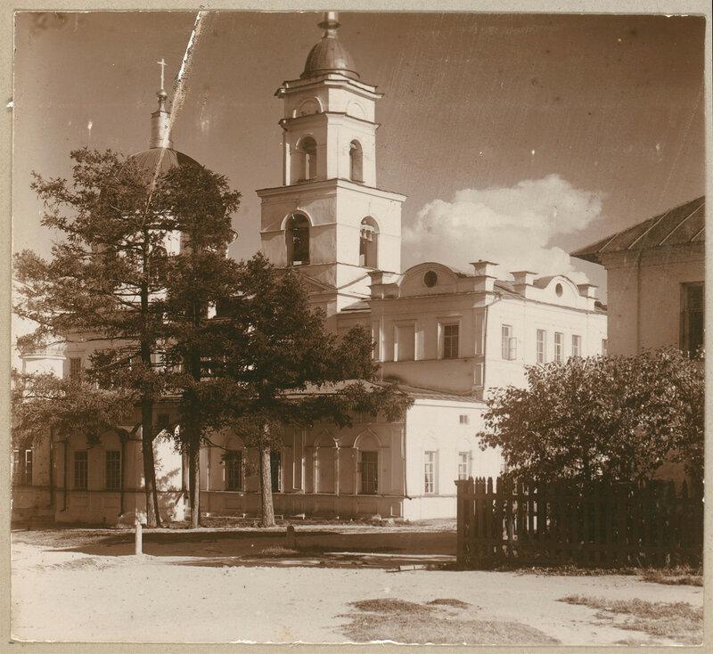 Ekaterinburg Novo-Tikhvinsky mon Zerkov UBM 2047l.jpg