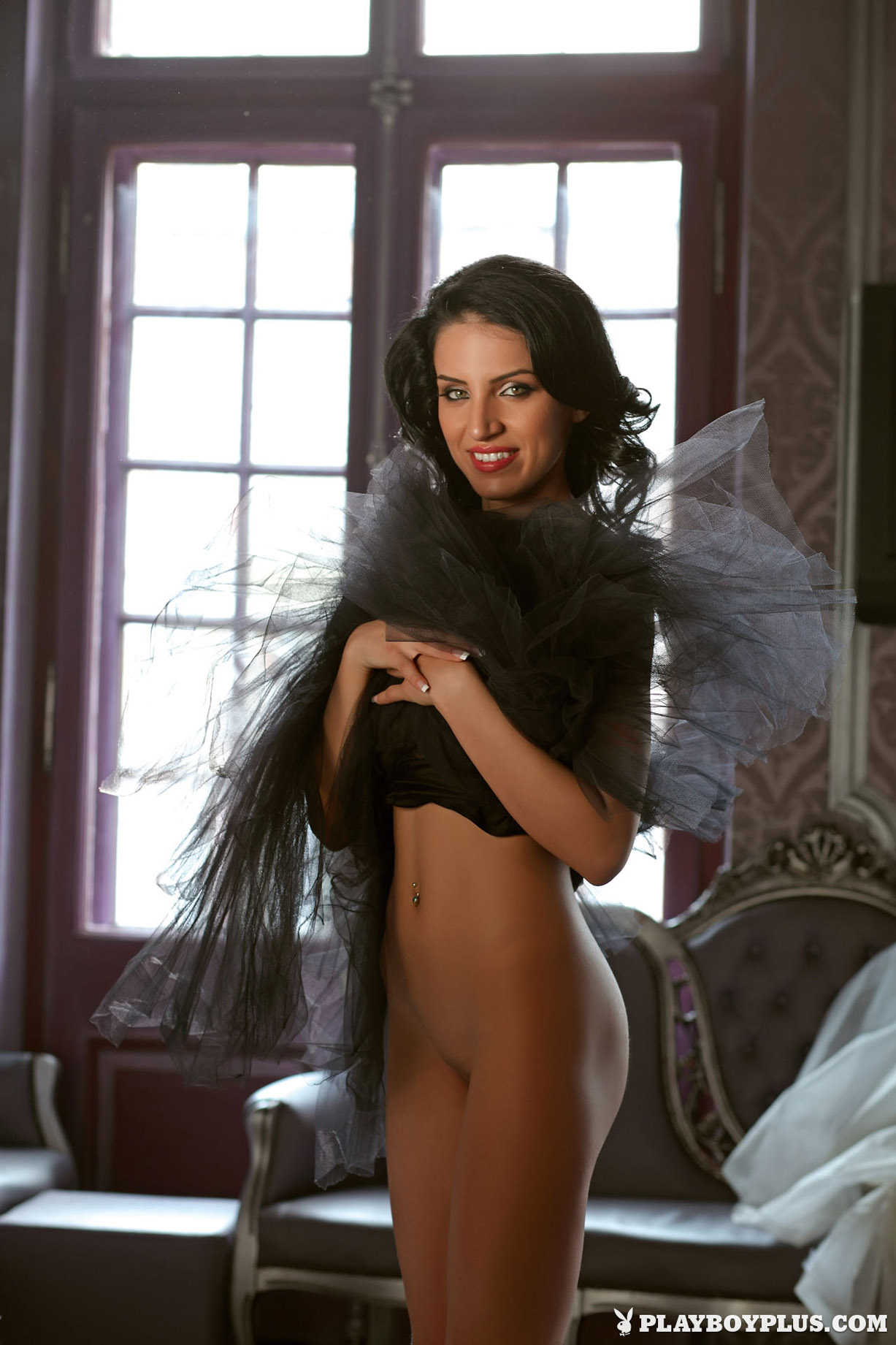 голая невеста Аделина Варчю / Adelina Varciu - Playboy Romania may 2010