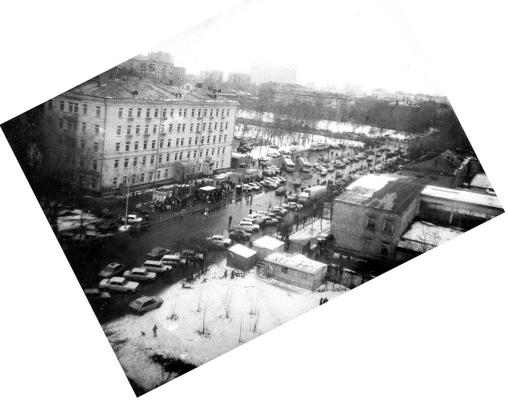 Москворецкий рынок, троллейбусный круг 92 Анисимова Е..jpg