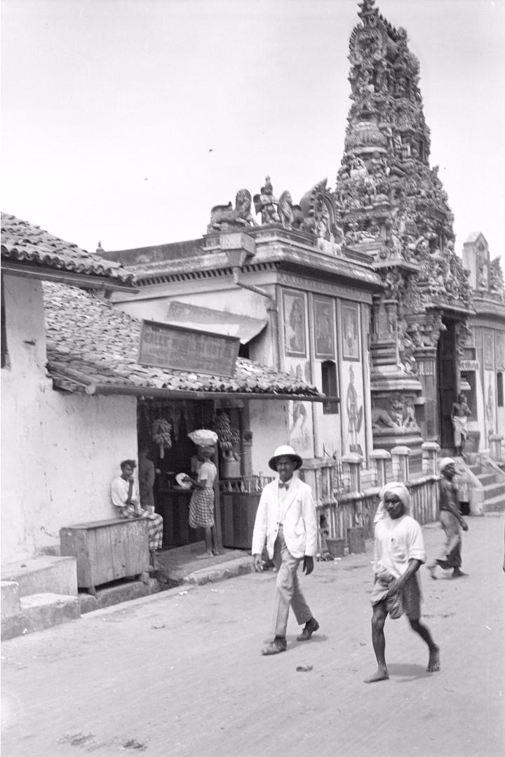 231. Индуистский храм в районе рынка Петтах в Коломбо