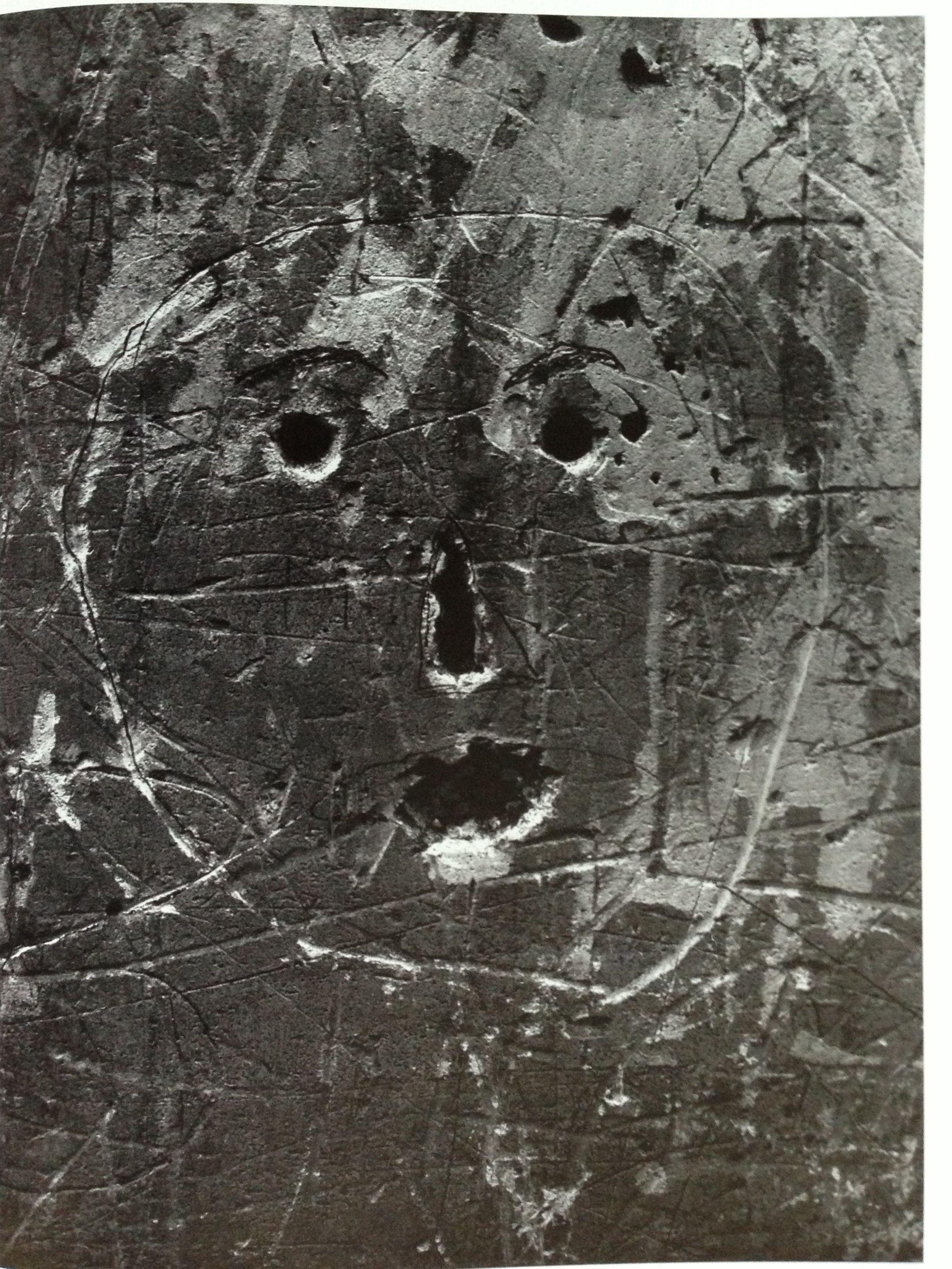 1935. Граффити