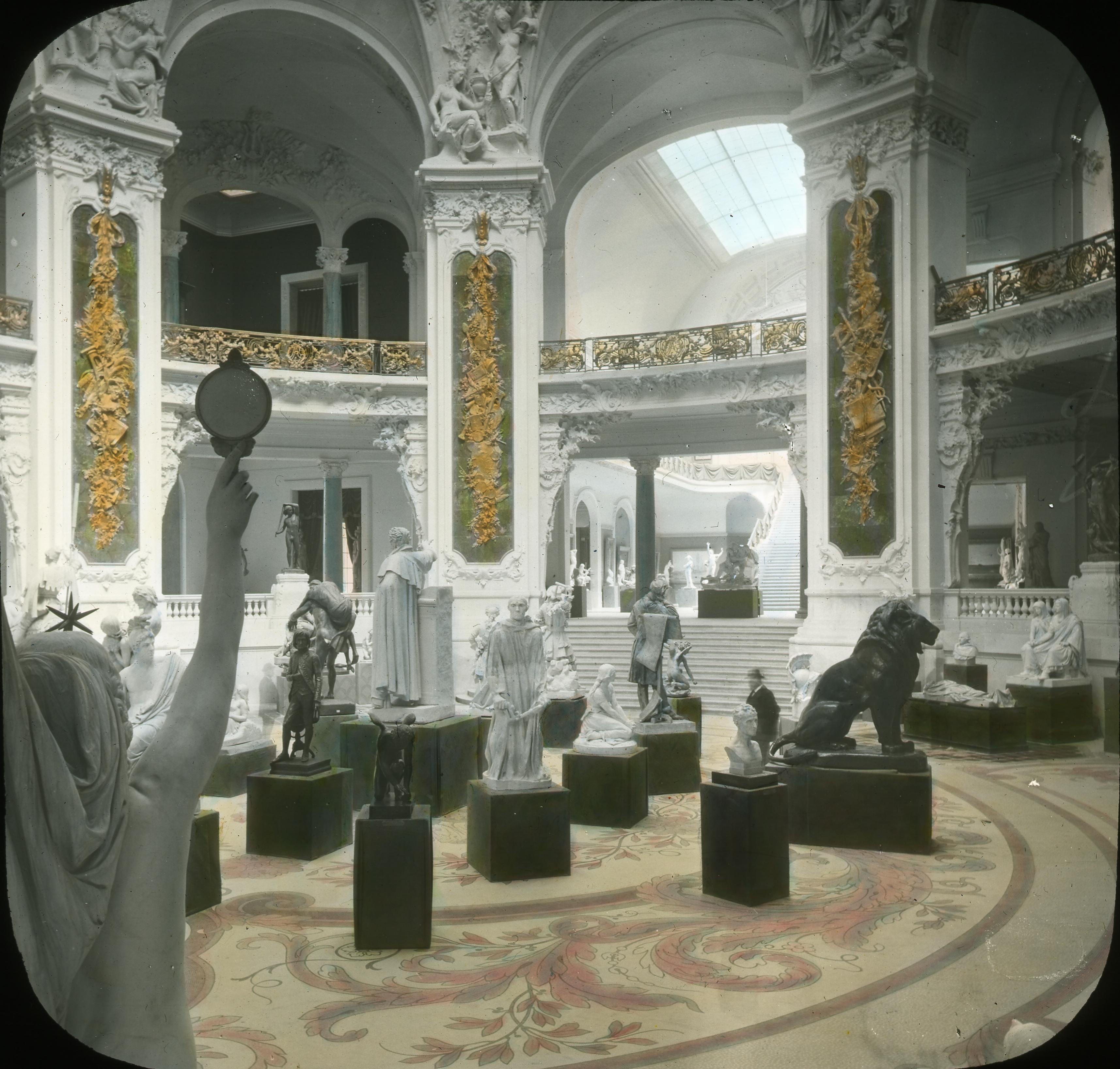 Дворец изобразительных искусств. Ротонда малой залы скульптур