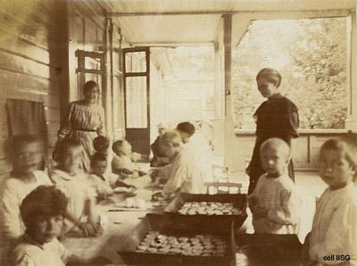 Kindergartens in Russia, photos by Dutch schoolteacher J.C. Ceton, 19210.jpg
