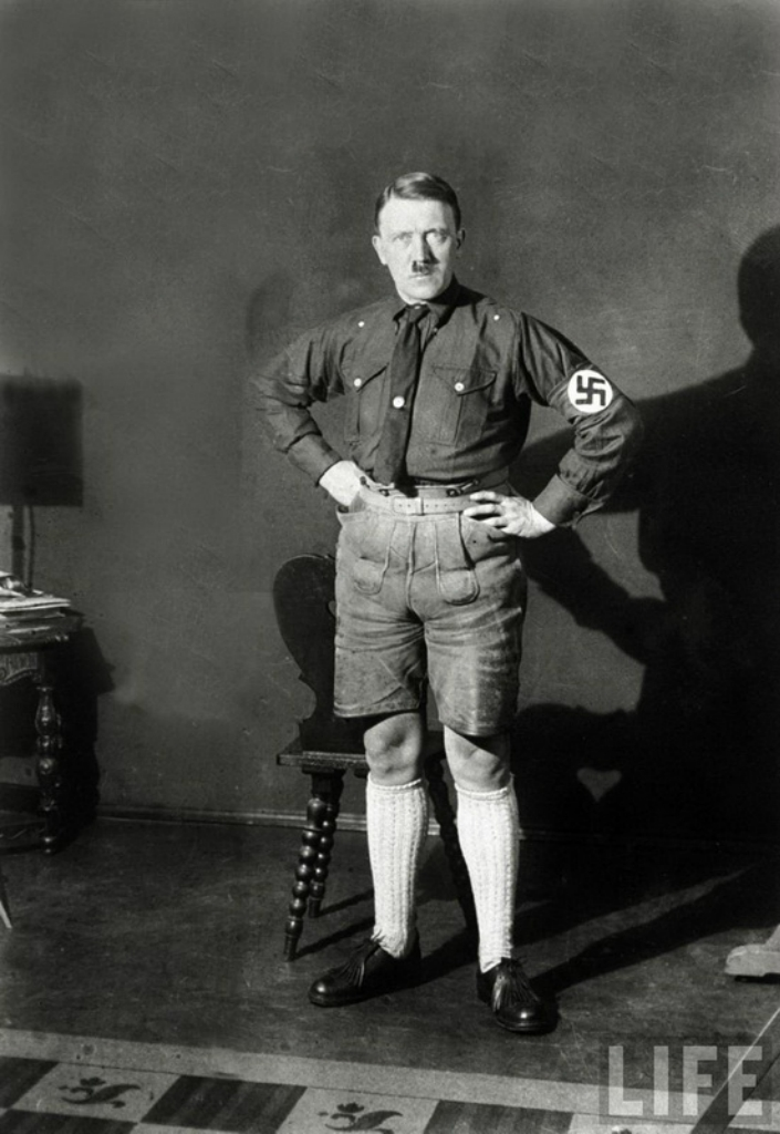 Гитлер в шортах, 1924 год.