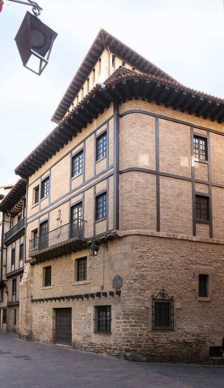 Vitoria-Gasteiz. Tower of doña Ochanda (Torre de Doña Ochanda)
