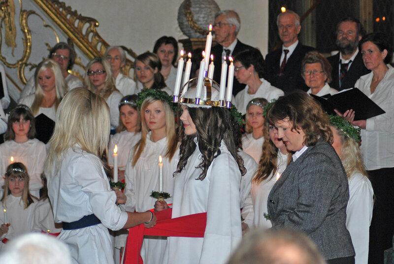 En luciakröning i Sverige (2008).