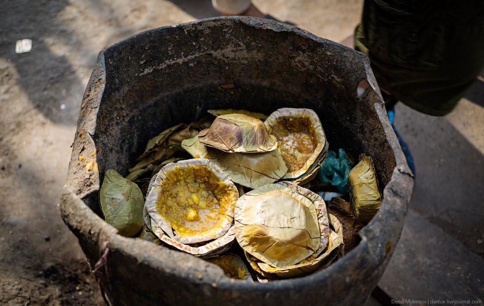 16. Так же как и в Непале , после еды здесь вместо жвачки подают жевательную смесь приправ на основе