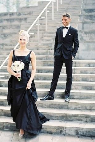 черное-свадебное-платье24.jpg