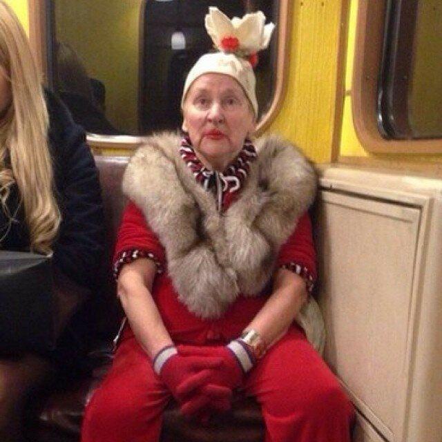 самые-странные-люди-в-метро10.jpg