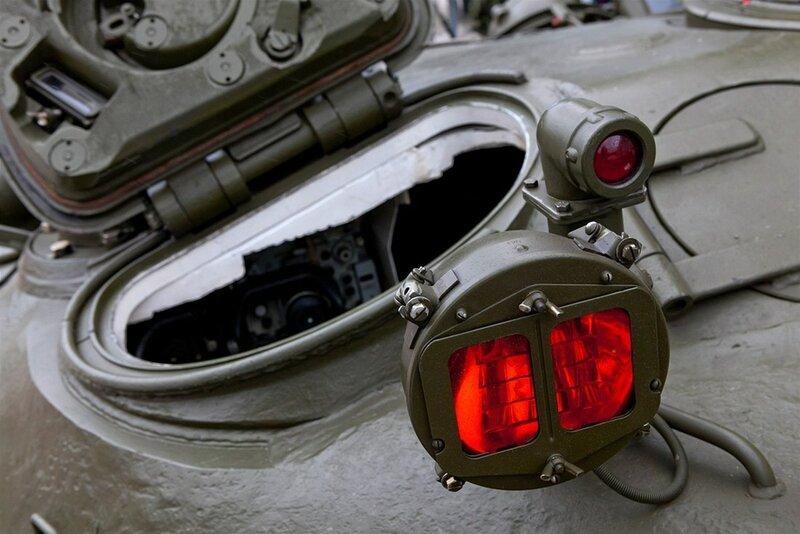 Posбdka v Ratнљkovicнch na Jihlavsku skladuje nмkolik desнtek tankщ T-72, kterй