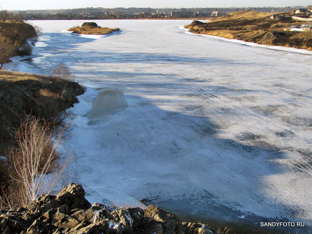 О состоянии льда на реке Уй, вид с Пугачёвской горы