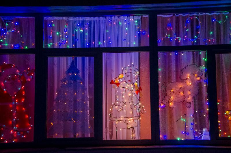 Новый год на школьных окнах