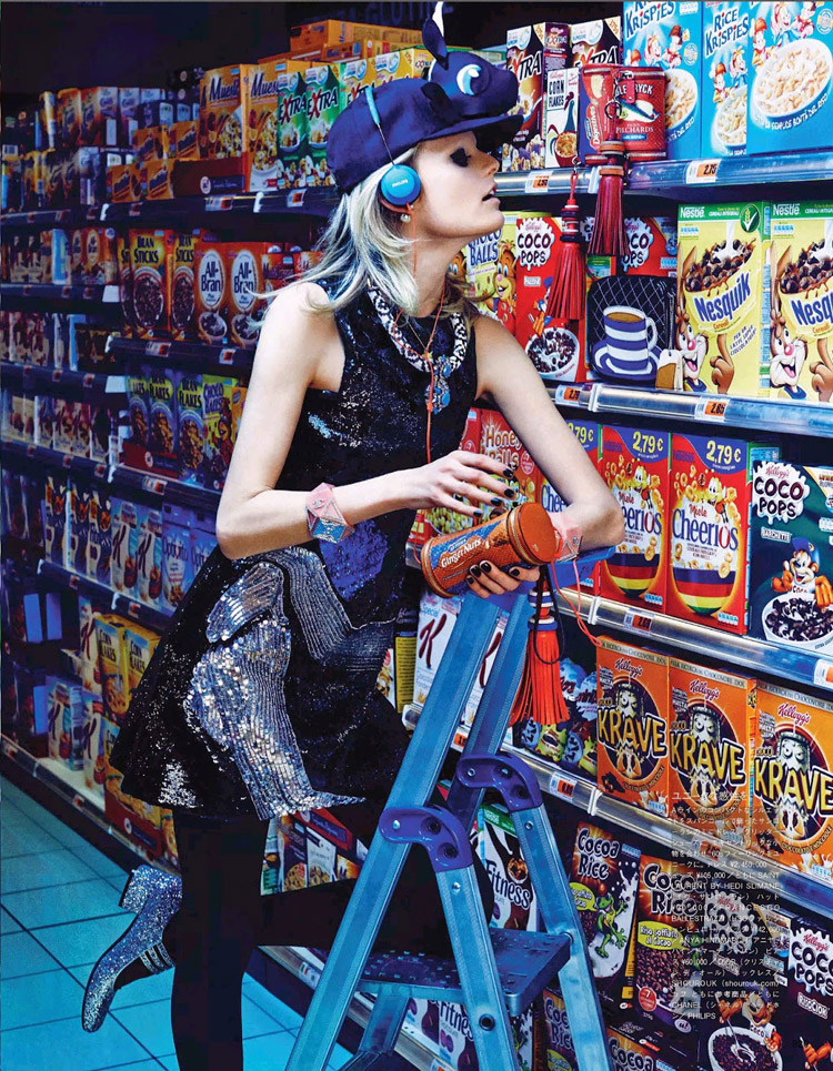 Кэтрин Лоэв (Catherine Loewe), Ханна Габи Одиль  (Hanne Gaby Odiele) и Линдси Виксон (Lindsey Wixson) в октябрьском номере журнала Vogue Japan