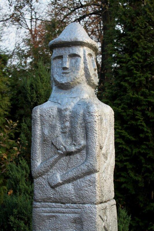 Новая голова Збручского идола